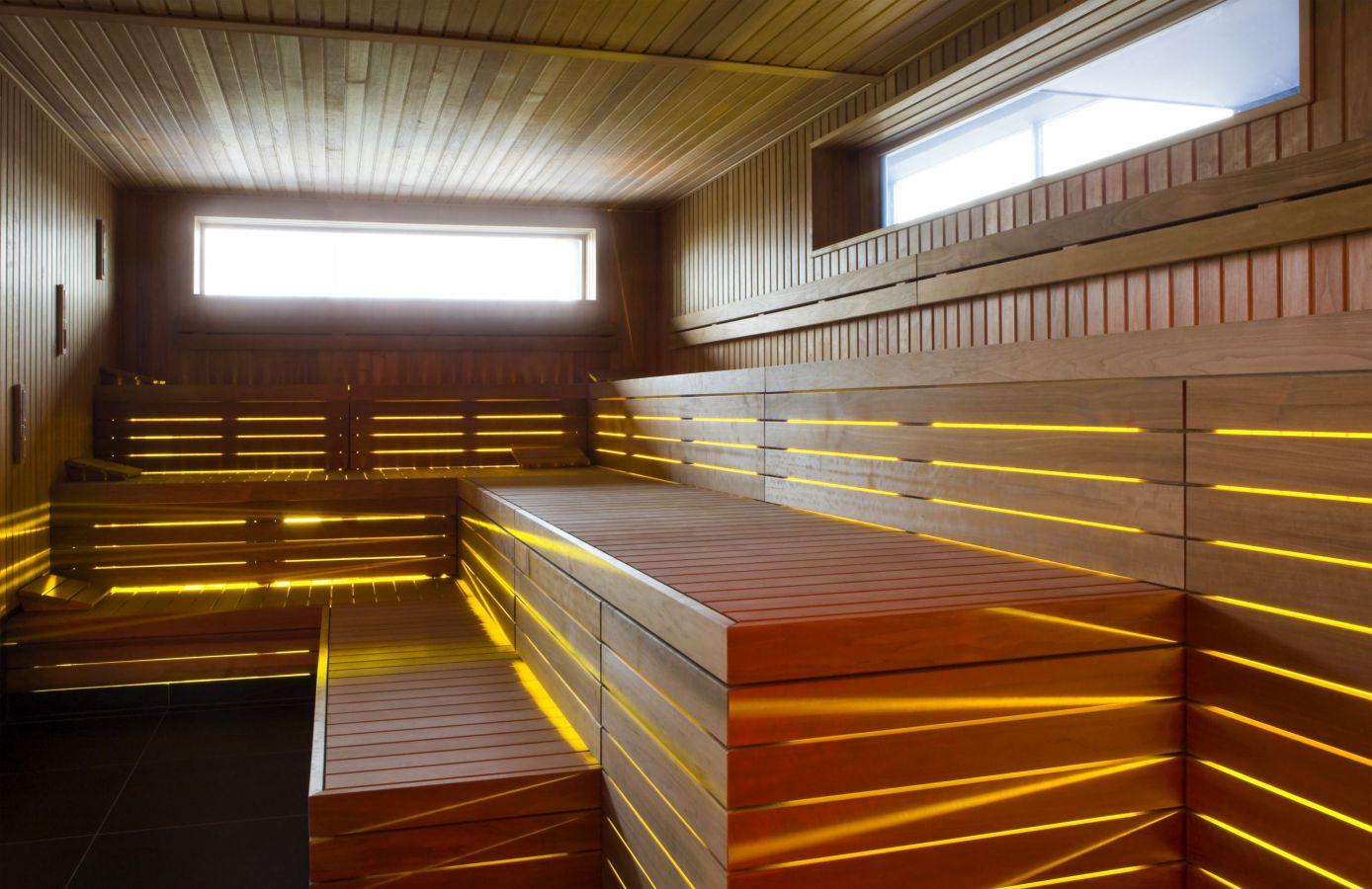 sauna met design ledverlichting west pool