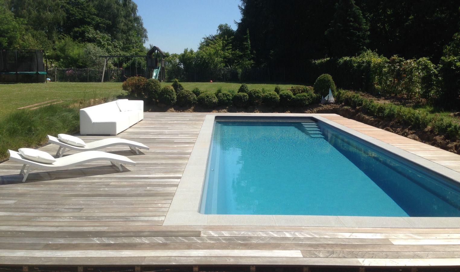 monoblock zwembad met houten terras